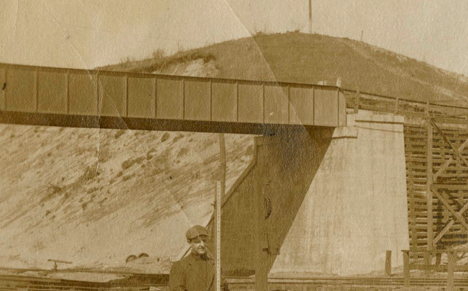Sand dune at the Harmon Shops construction site, circa 1906.