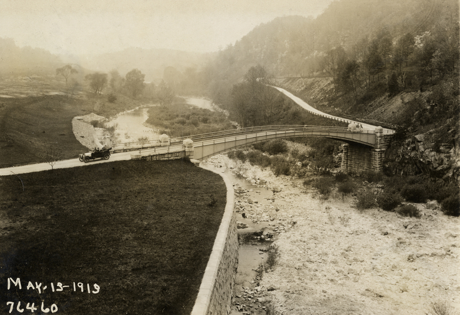 Bridge below the New Croton Dam, May 13, 1913. Courtesy of the Detroit Public Library, National Automotive History Collection.
