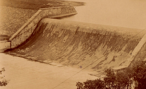 Detail showing the gentle S-curve design of the Old Croton Dam