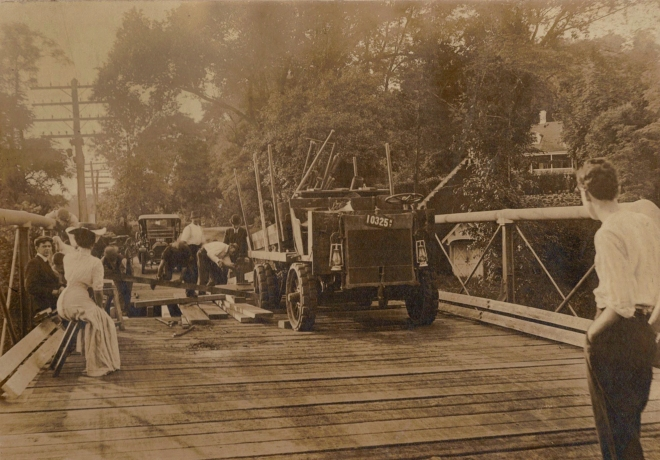 Accident on the Van Cortlandt Bridge, 1911. Photograph courtesy of the Ossining Historical Society.