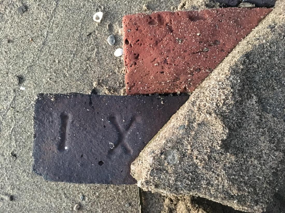 ixl-bricks_37454657106_o